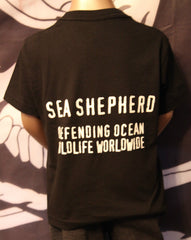 DOW kid's T-Shirt  Black,, sea shepherd,  big front Jolly Roger