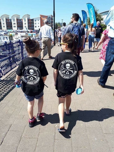 Sea Shepherd Marine Debris Campaign logo Kids organic cotton T-shirt, Black