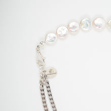 Load image into Gallery viewer, CD COIN PEARL BRACELET