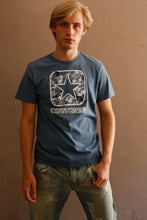 Laden Sie das Bild in den Galerie-Viewer, Vintage 00s Converse T-Shirt (M)
