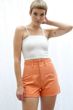 Laden Sie das Bild in den Galerie-Viewer, Vintage Shorts in orange (S)