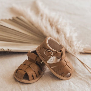 Wax Leather Enclosed Toe Sandals <br> Brown
