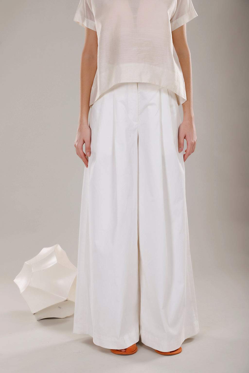 High Waist Flared Pants - Dhi