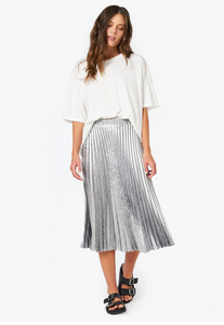 Queen Pleated Skirt