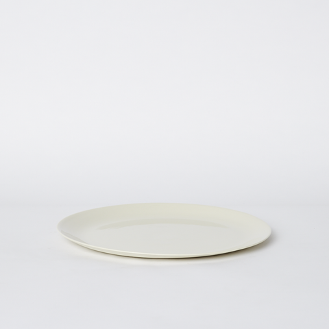Flared Dinner Plate in Milk