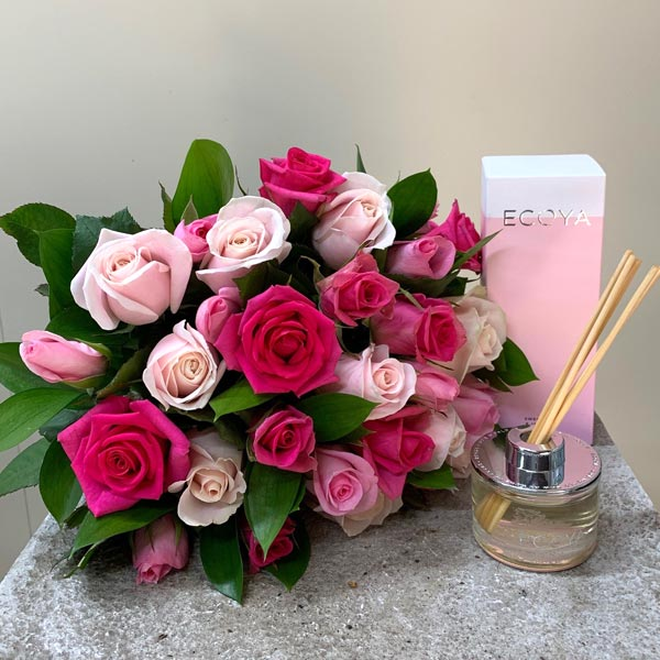 Pretty In Pink All Rose Bouquet with Diffuser