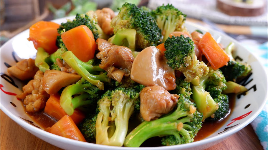 Quick and Comforting Chinese Broccoli & Shrimp Stir-Fry