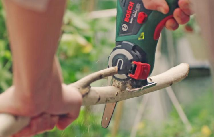 Mini portable handheld chain saw