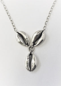 Cowries silver triplet Necklace