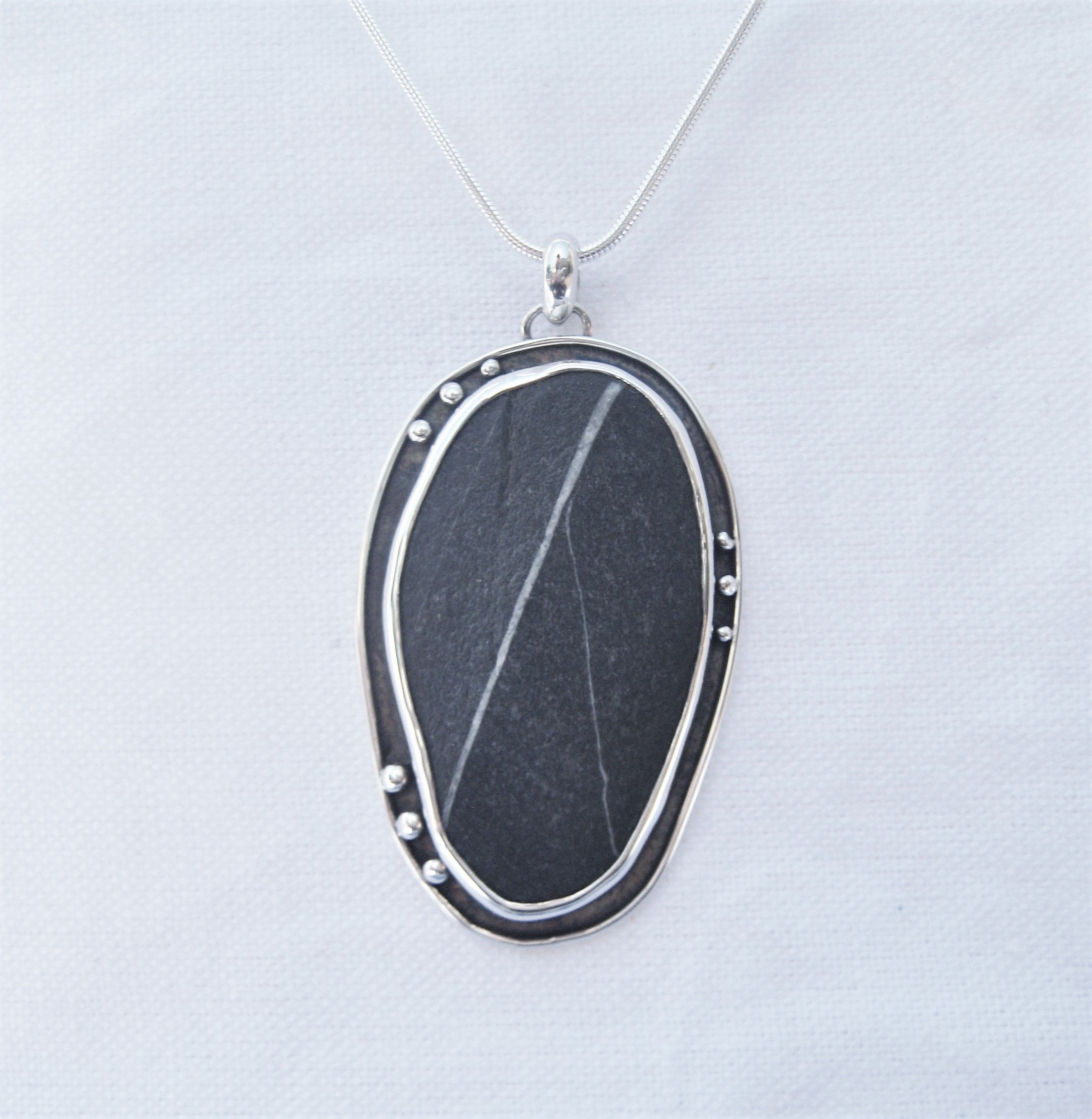Pebble with detail Pendant