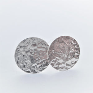 Textured Stud Earrings  (squ)