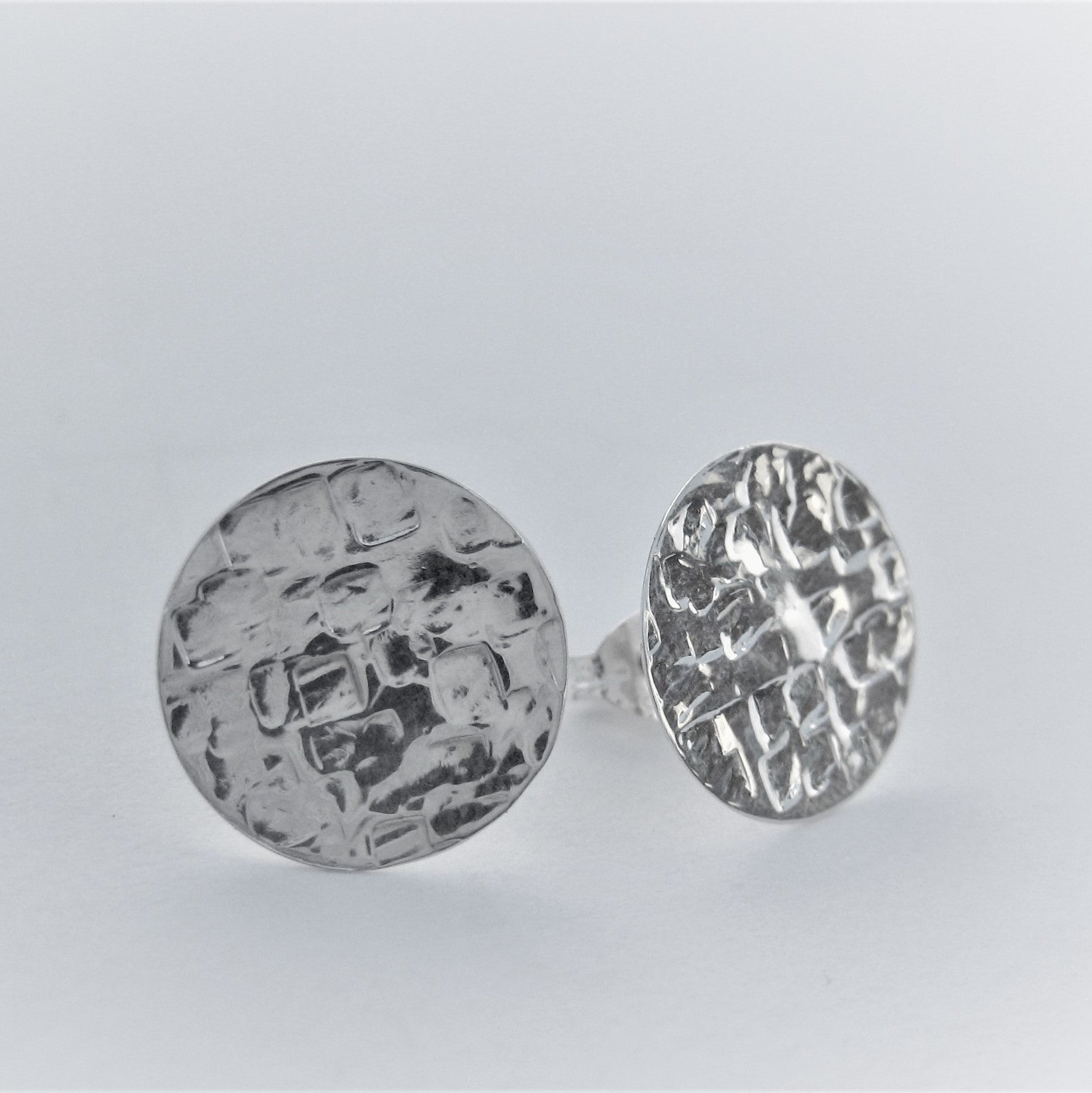 Textured Stud Earrings (sqa)