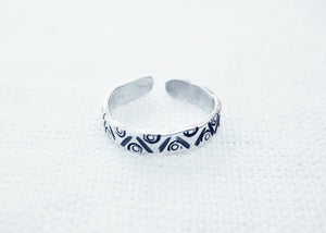 Toe Ring (zigzag, dots, circles)