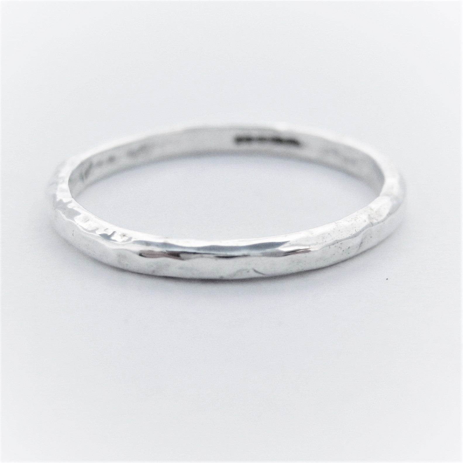 Textured ring 2mm (rnd)