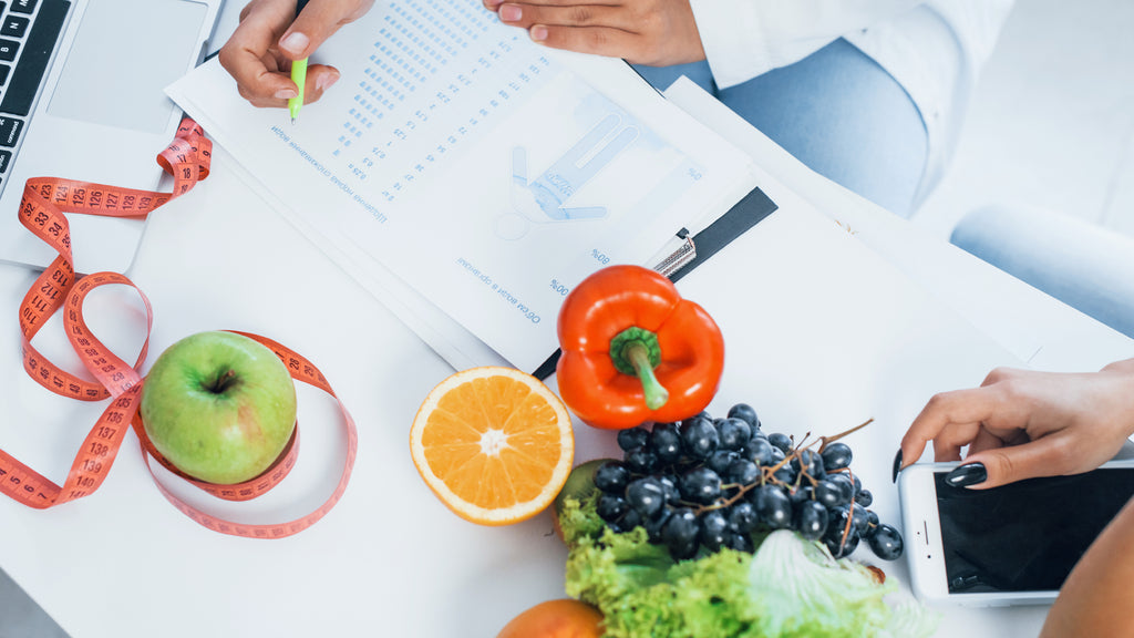 Why do people seek consultation from a nutritionist?