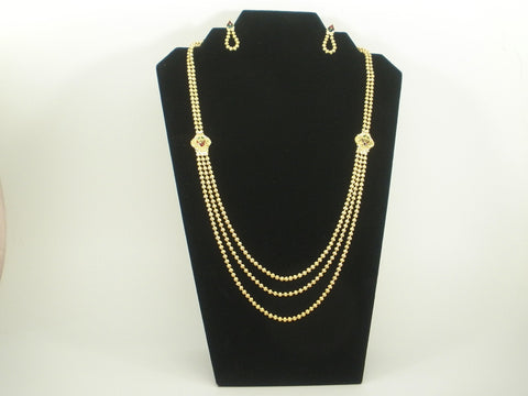 simple haram set with golden beads