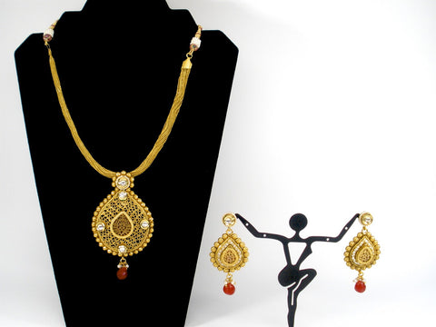 antique necklace set with red thewa pendant
