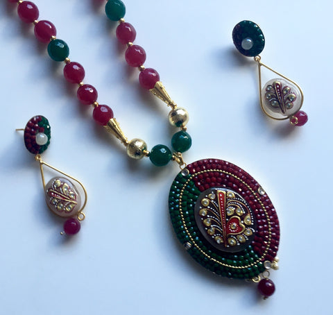 grand handmade agate set with oval tanjore pendant