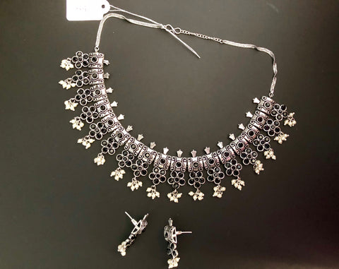 oxidized silver necklace set with black stones