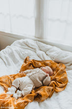 Load image into Gallery viewer, Kiin Baby Organic Cotton + Bamboo Muslin Swaddle One Country Mouse Kids Yamba