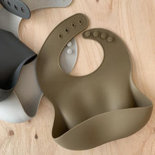 Load image into Gallery viewer, rommer co Silicone baby bib Olive