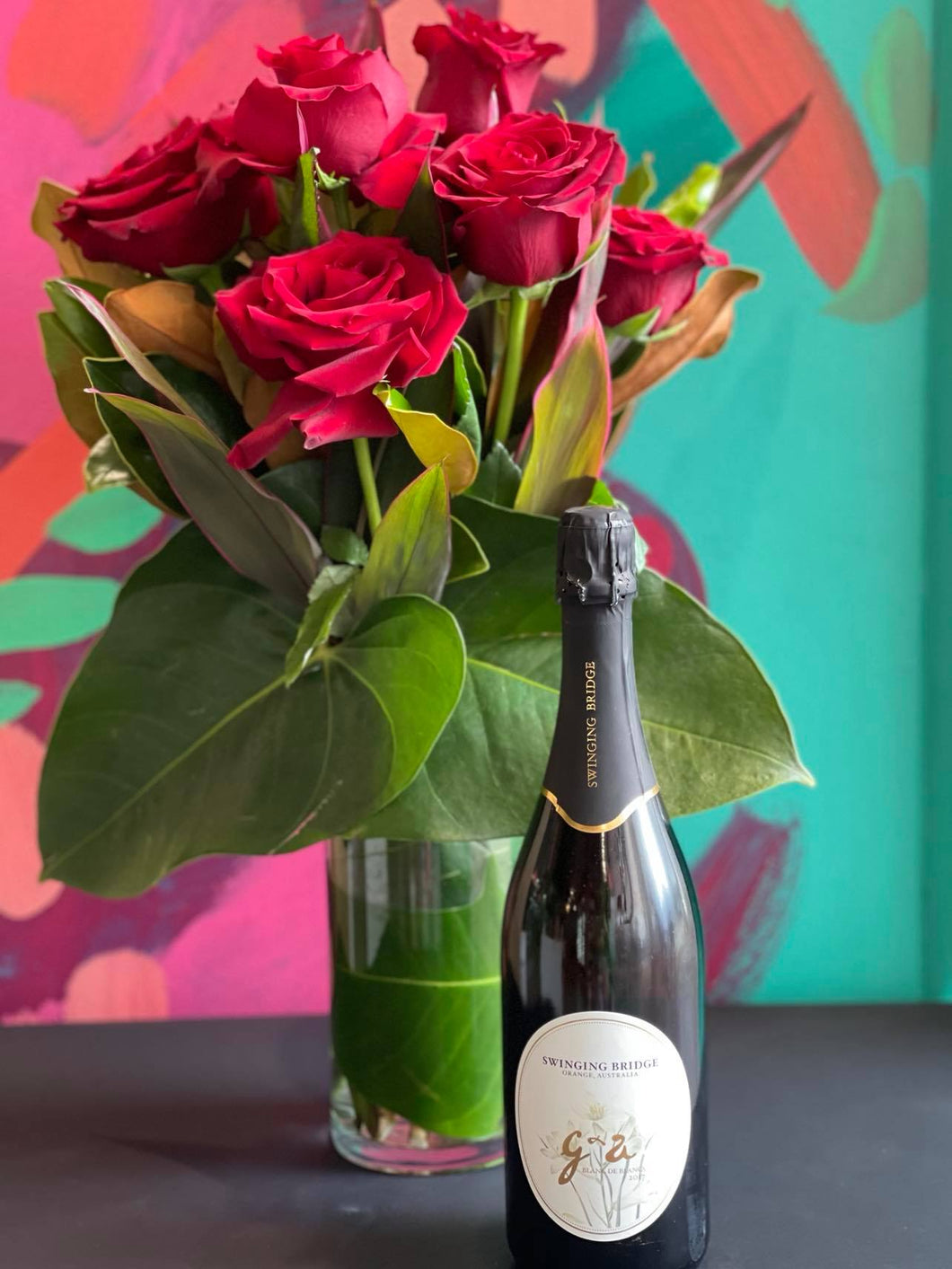 VALENTINES DAY 6 RED ROSES IN CLEAR GLASS VASE  AND SPARKLING WINE