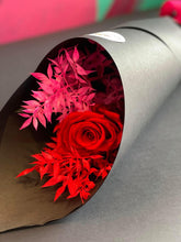 Load image into Gallery viewer, VALENTINES DAY SINGLE PRESERVED ROSE AND FOLIAGE