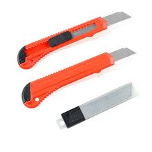 Load image into Gallery viewer, eZthings Heavy Duty 9mm Snap Off Blades Box Cutters Set for Cutting Materials: Wallpaper, Vinyl, Leather, Shrink-wrap