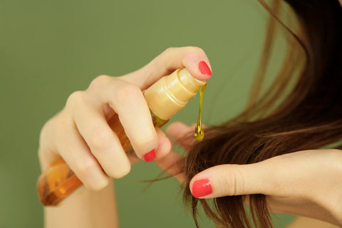 How to Use Hair Oil - How to apply hair oil