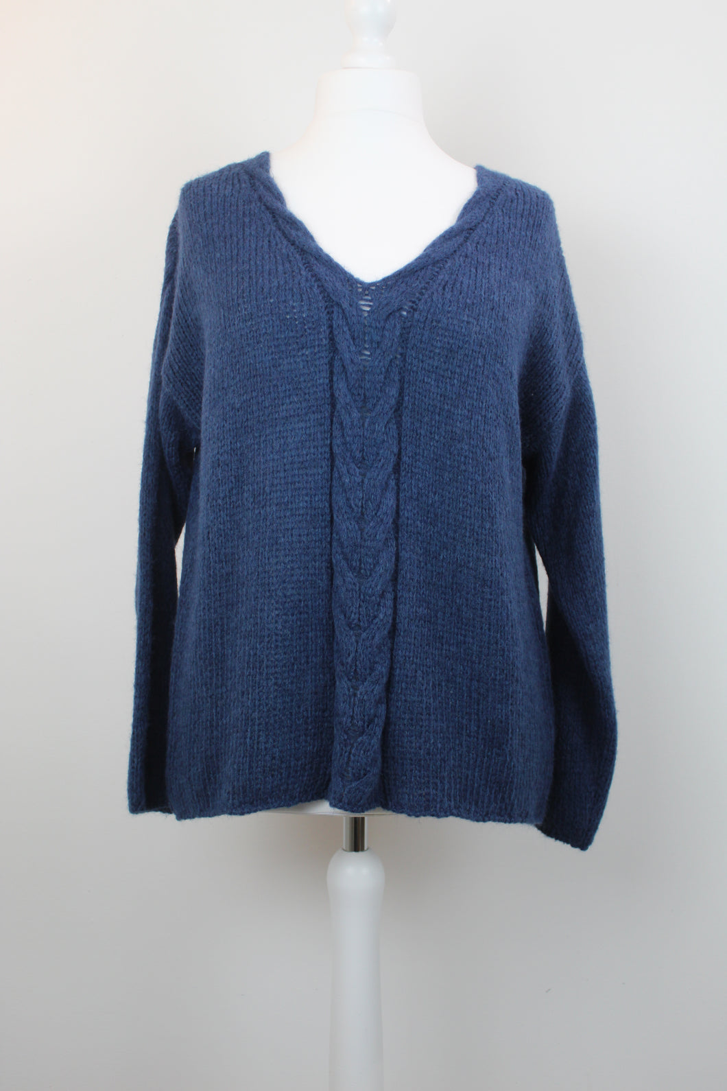 Cable Strip V Neck Knit