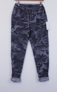 Camo print Easy Fit trousers