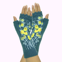Embroidered knitted gloves