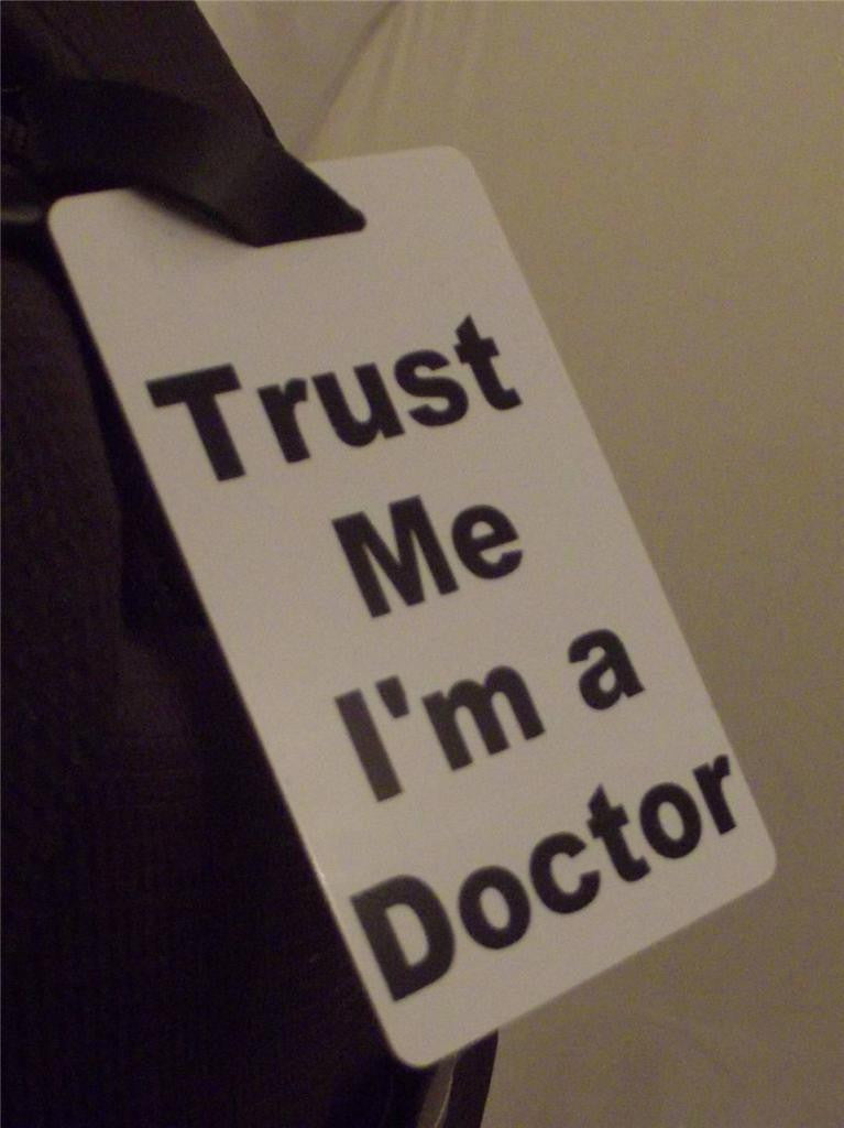 Novelty Luggage Crew Tags - Trust me, I'm A Doctor -  Inflightgoods