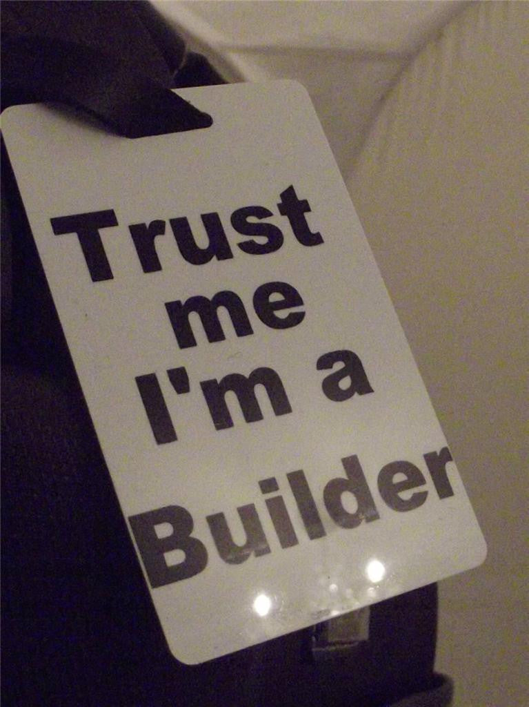 Novelty Luggage Crew Tags - Trust me, I'm A Builder -  Inflightgoods