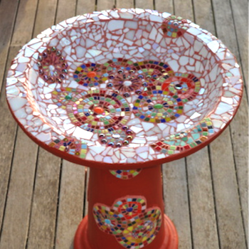 BRIGHTEN UP YOUR BACKYARD WITH A MOSAIC BIRDBATH