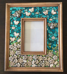 Garden mosaic picture frame project made