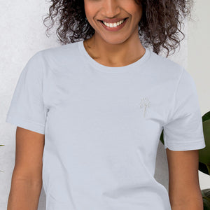 Independent Women Logo T-Shirt │dark colors 👕 T-Shirt │ 𝓘𝓷𝓭𝓮𝓹𝓮𝓷𝓭𝓮𝓷𝓽 𝓦𝓸𝓶𝓮𝓷 𝓢𝓽𝔂𝓵𝓮