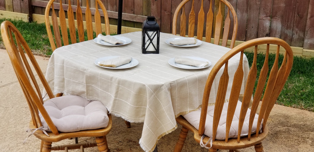 Square Beige Table Cloth with 4 napkins