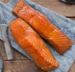 SMOKED KING SALMON FILLET - 8 OZ