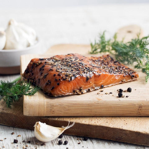 GARLIC PEPPER SMOKED SALMON FILLET - 8 oz - SalmonMarket