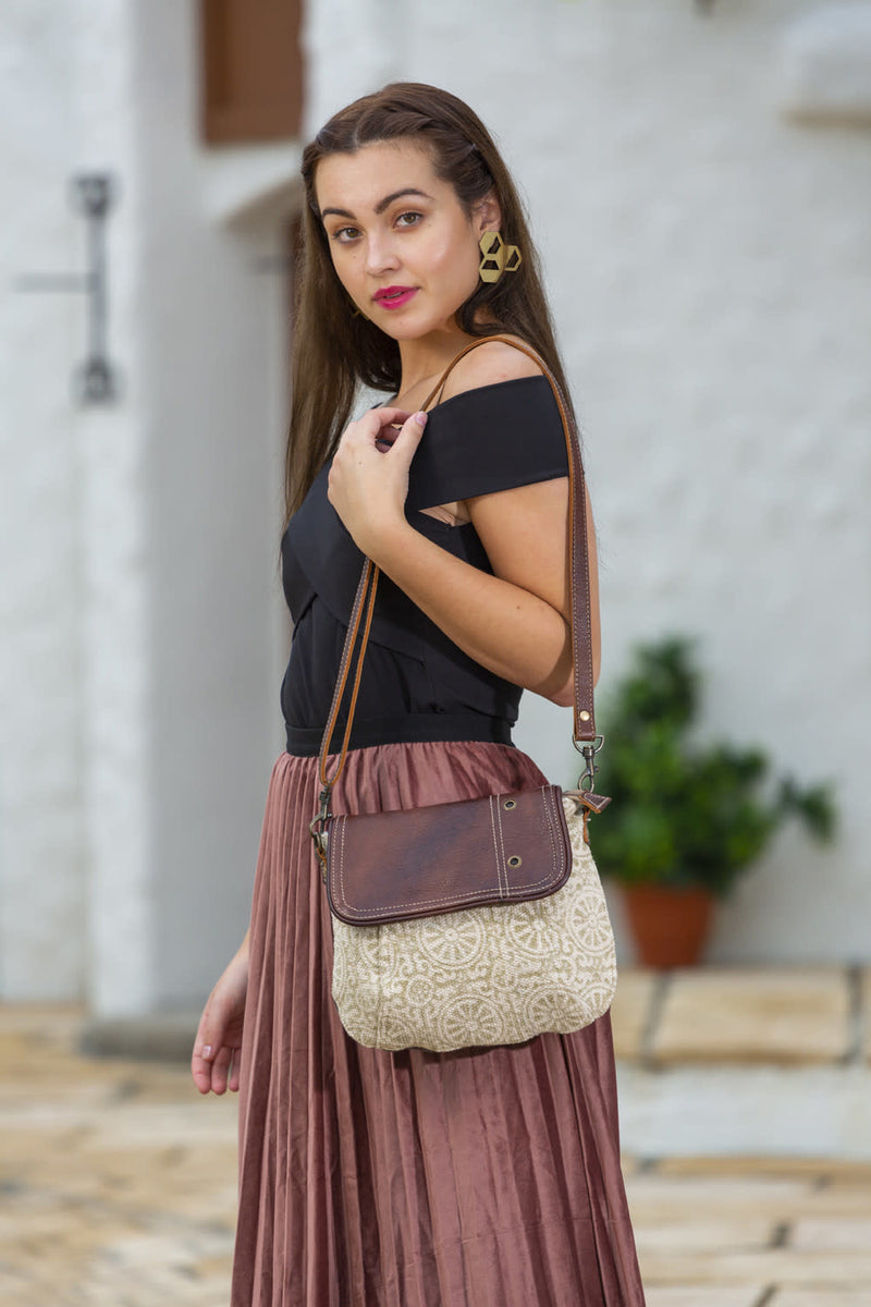 Funky College Small & Crossbody