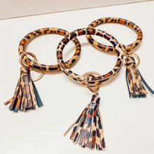 Load image into Gallery viewer, Cheetah Keychain Bangle