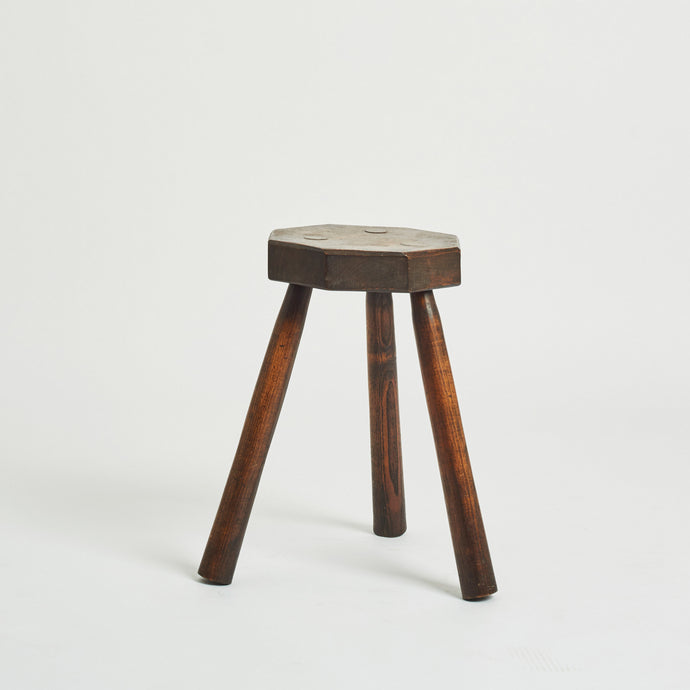 Hexagonal top milking stool