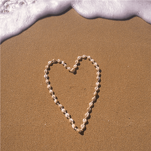 Heart of Shells Greeting Card - Cotswold Jewellery