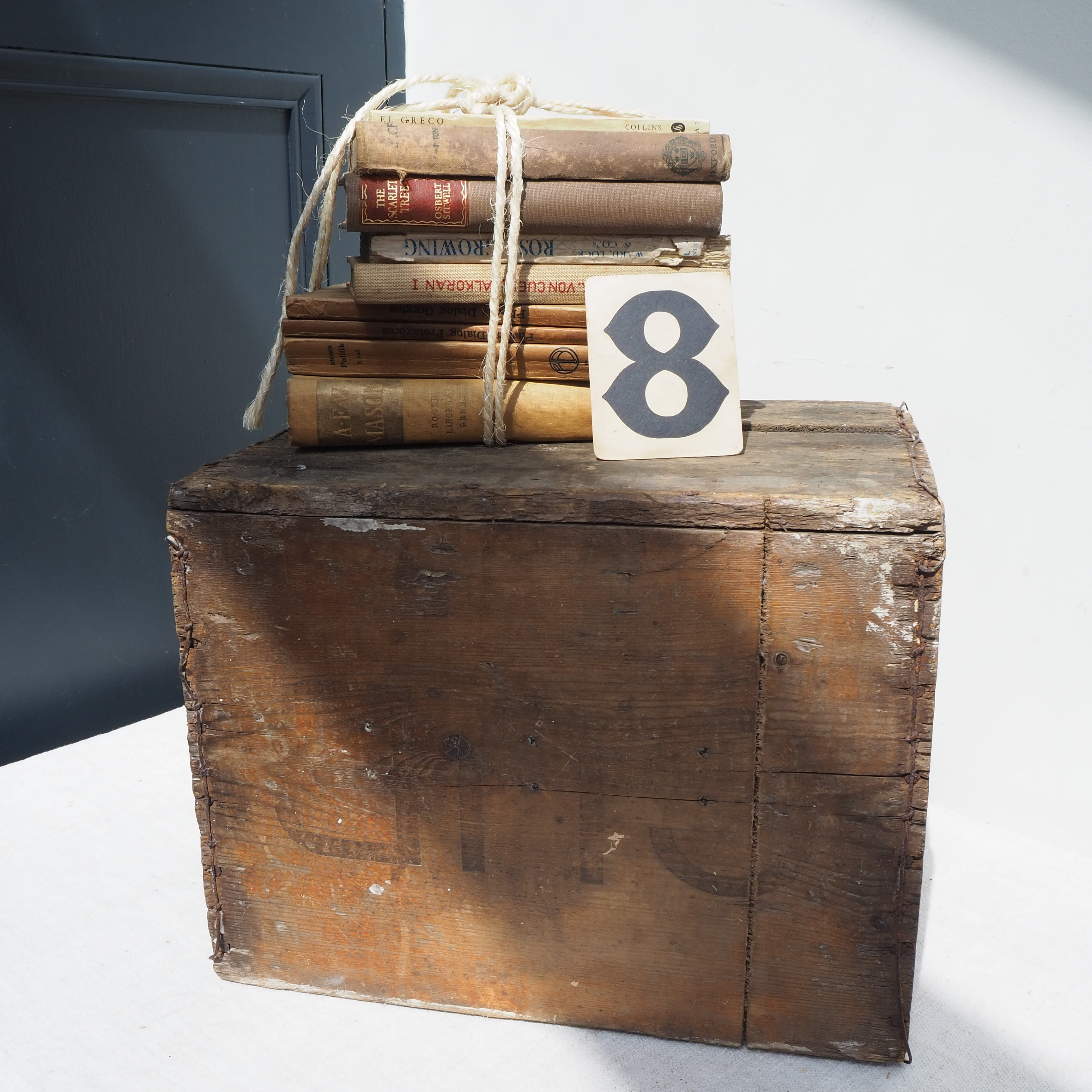 "Rustic ""Cub"" Bottle Box"