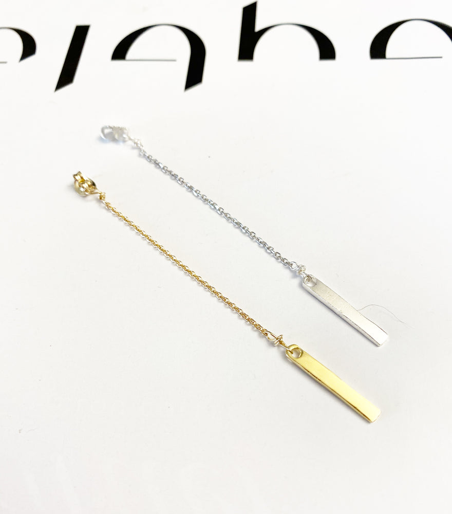 Double sided Earring bracket Connected to a chain and a stick