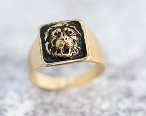 Square Signet Ring, Lion Ring, Big Ring, Gold / Silver Geometric Ring, Unisex Jewelry, Bold ring, Signet Ring for Men / Seal Ring for Women