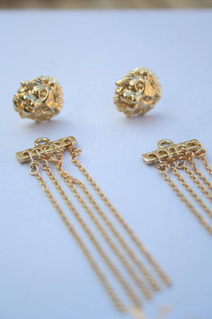 * Single * double-sided lion earring combined with long chain