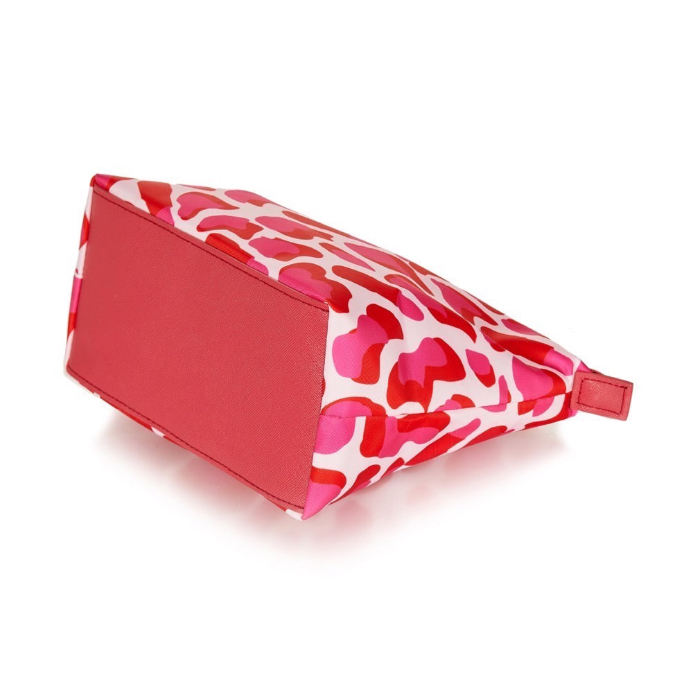 pink pouch, Emma Lomax