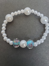 Load image into Gallery viewer, Antartic Pearl bracelet